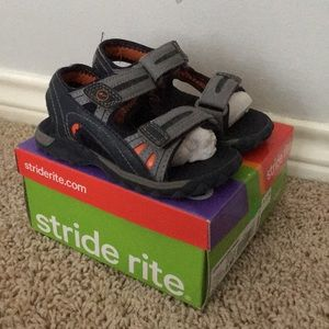 Stride Rite boys sandals 9 toddler